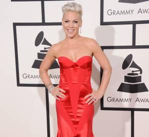 Pink très glamour et sexy au Grammy Awrds 2014.