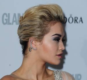 Rita Ora, Miley Cyrus... Les tatouages à l'oreille, pour ou contre ?