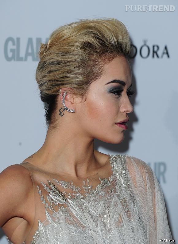 rita ora miley cyrus les tatouages l 39 oreille pour ou contre puretrend. Black Bedroom Furniture Sets. Home Design Ideas