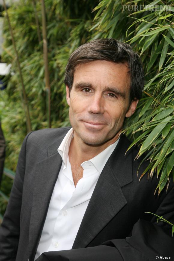 David Pujadas, présentateur in souciant du JT de France 2.