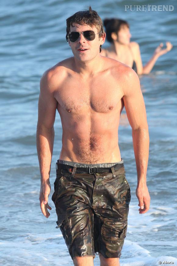 Si la rumeur a couru pendant très longtemps, Zac Efron n'a pas de téton en plus.