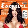 Kelly Brook, les tétons presque à l'air libre en couv' d' Esquire .