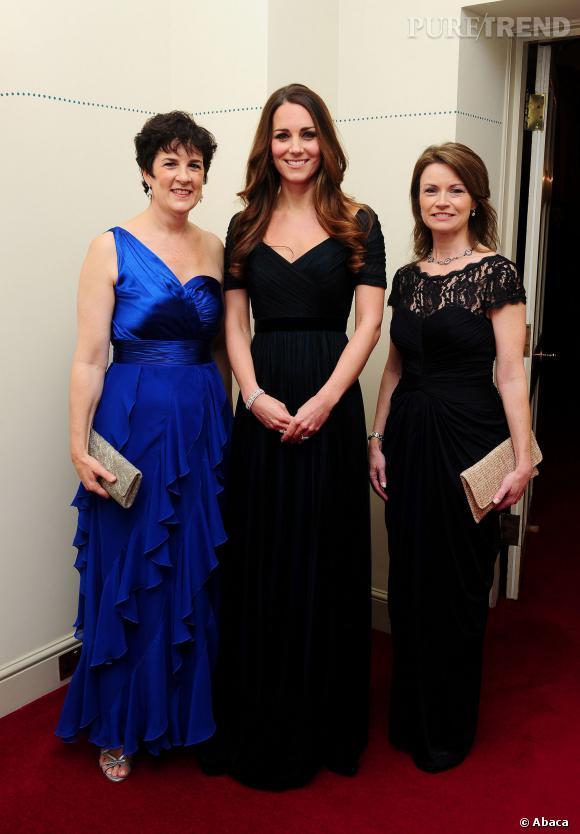 Kate Middleton portant la même robe Jenny Packham d'une soirée caritative en octobre 2013.