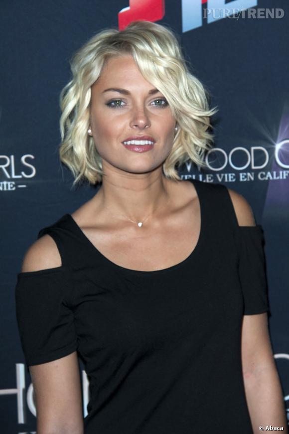 """Depuis """"Secret Story"""" Caroline Receveur est devenue actrice dans """"Hollywood Girls"""" et co-présente """"Le Mag"""" sur NRJ 12."""
