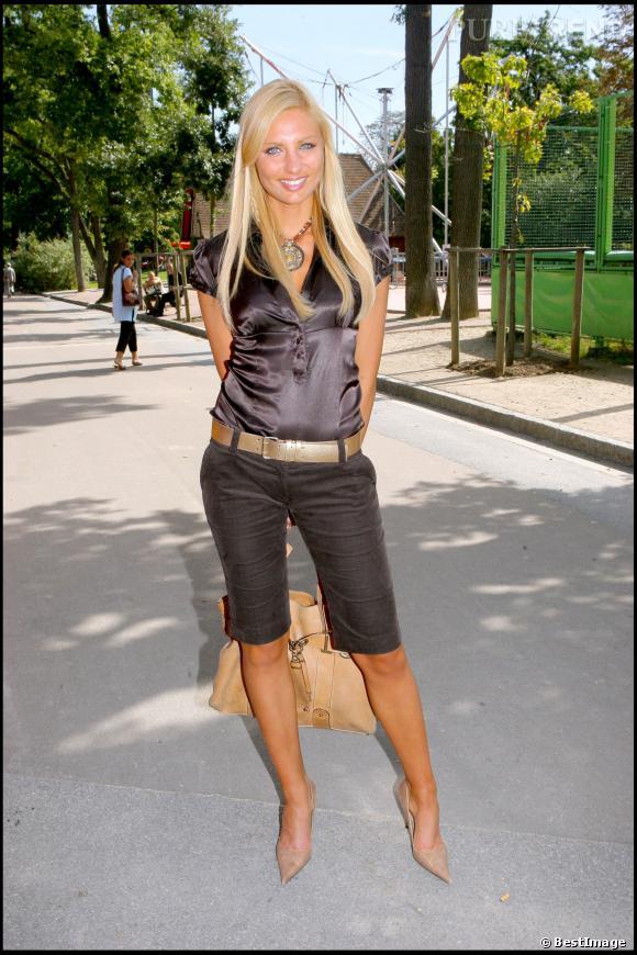 Ariane Brodier à son époque de Miss Météo pour M6, en 2006.