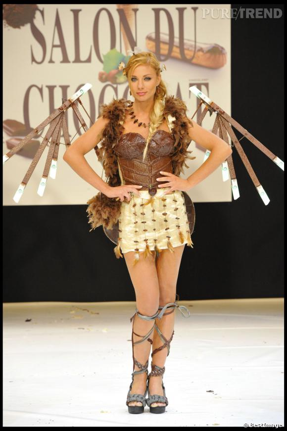 Ariane Brodier, ange de chocolat pour le Salon du Chocolat 2010.