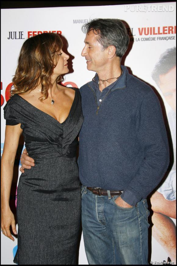 """Thierry Lhermitte et Julie Ferrier à la première du film """"Ca se soigne"""" en 2008."""