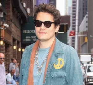 John Mayer aurait acheté de fausses montres sans le savoir.