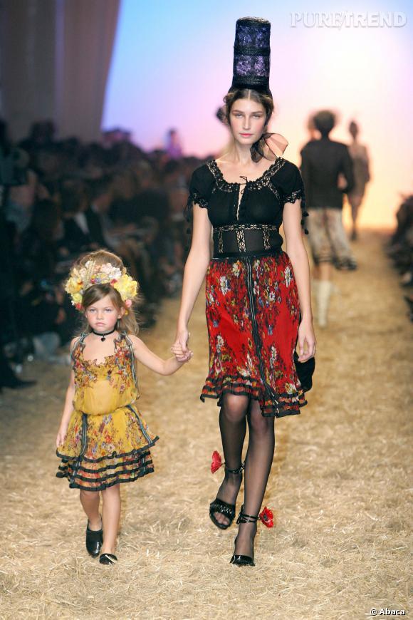 Thylane Blondeau lors de son tout premier défilé, ses débus pour Jean Paul Gaultier, à 4 ans.