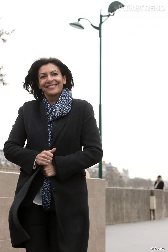 Anne Hidalgo aime se promener le long des berges de la Seine.