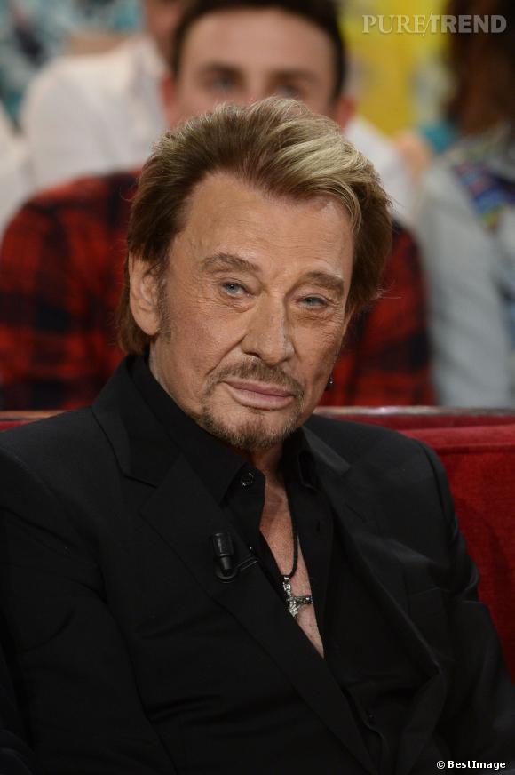 Pour  Lui , Johnny Hallyday parle de sa consommation de drogues.