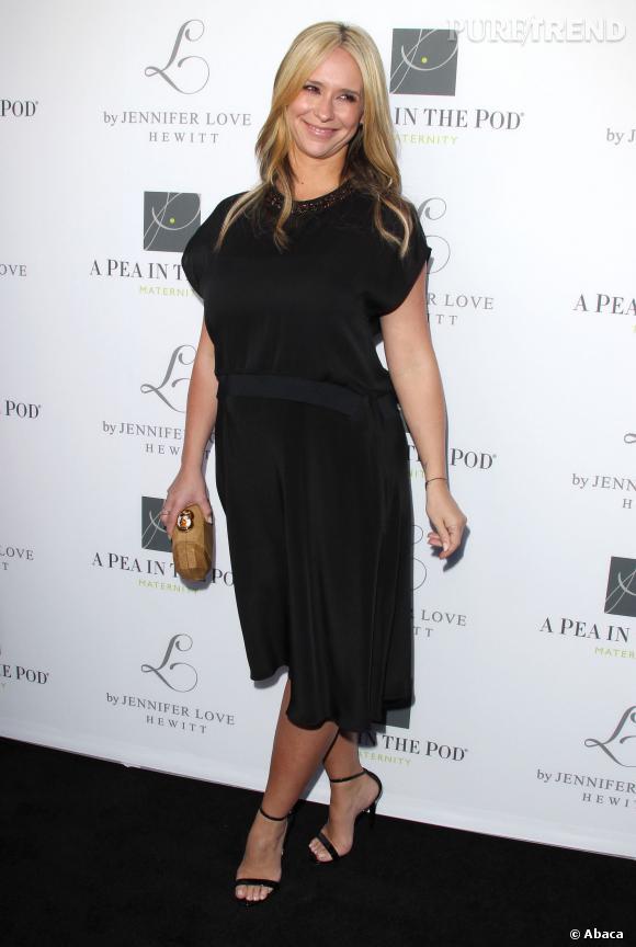 """Jennifer Love Hewitt au lancement de sa collection de prêt-à-porter pour femmes enceintes, """"L by Jennifer Love Hewitt""""."""