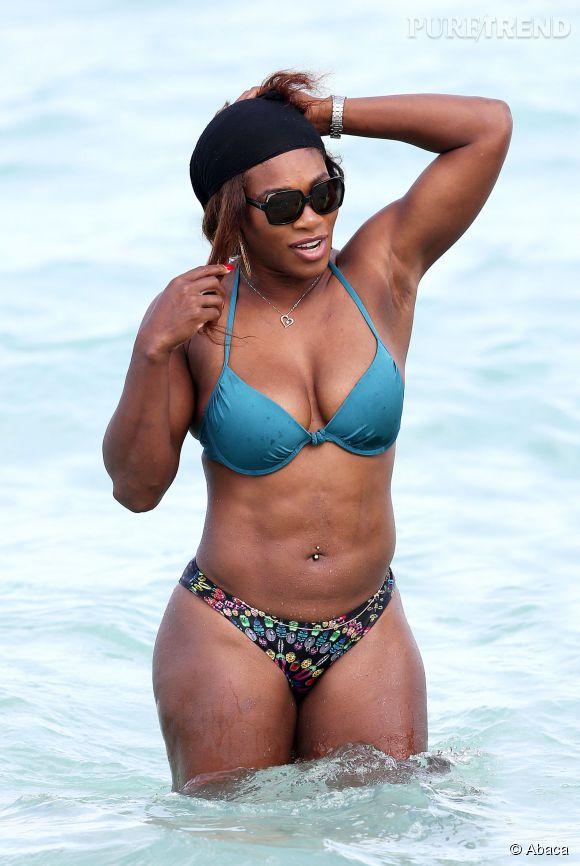 La numéro 1 mondiale au classement WTA, Serena Williams affiche un corps très musclée le 16 avril 2014 à Miami Beach.