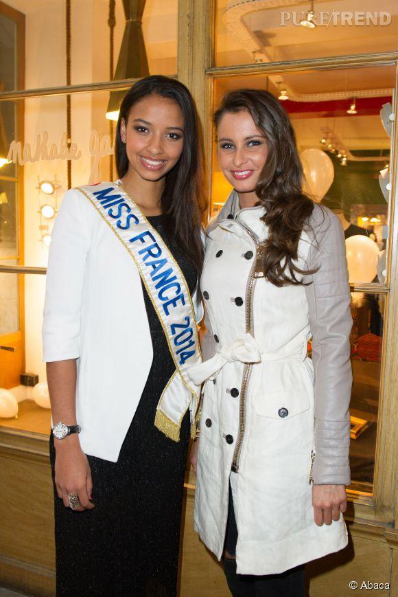 Flora Coquerel et Malika Ménard étaient invitées lundi à la boutique Nathalie Garçon, dans la galerie Vivienne à Paris.