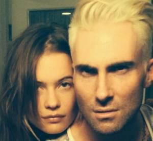 Adam Levine, ses cheveux en blond platine sur Twitter !