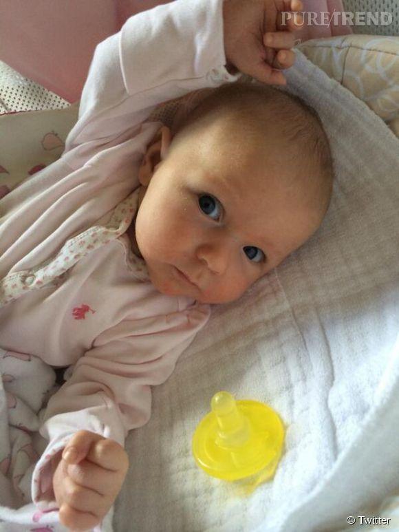 Emily Blunt dévoile la bouille de sa fille, Hazel.