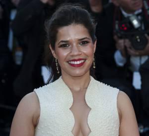 America Ferrera et son décolleté tout en suggestion pour le Festival de Cannes 2014, le 16 mai 2014.