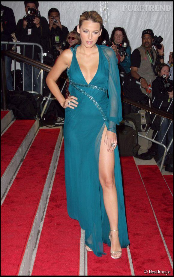 Blake Lively, la reine du coup de pied sexy avec des sandales outrageusement sensuelles.