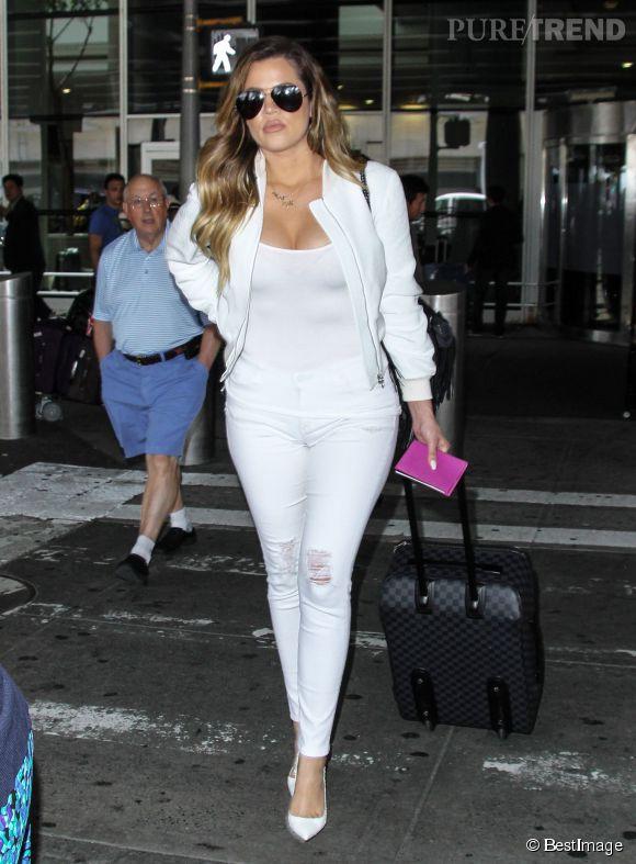 """À croire que Khloe Kardashian souhaite rester dans l'ambiance """"jolie mariée"""" !"""