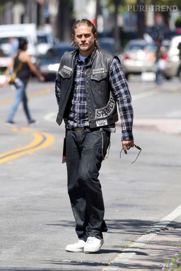 """Charlie Hunnam est trop occupé avec les tournages de """"Sons of Anarchy""""."""