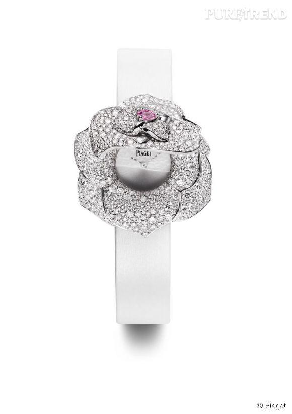 Montre à secret Piaget Rose Passion. Boîtier en or blanc 18k serti de 667 diamants taille brillant et d'un saphir mauve. Fermoir serti de 40 diamants taille brillant. Mouvement quartz Piaget 56P. Prix sur demande.