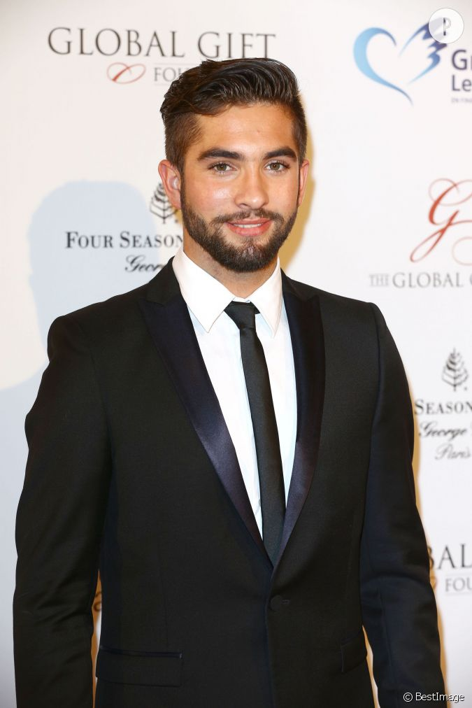 kendji le beau gosse de 17 ans gagnant de the voice 3. Black Bedroom Furniture Sets. Home Design Ideas