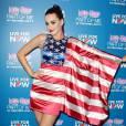 Katy Perry est une américaine patriotique qui n'hésite pas à apporter son soutien à Hillary Clinton, alors que cette dernière n'a pas encore annoncé son intention de se présenter à la prochaine élection présidentielle.