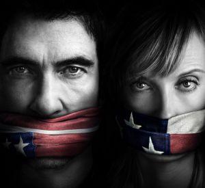 """""""Hostages"""", la série événement de TF1, ce jeudi 26 juin 2014 avec Dylan McDermott et Toni Collette."""