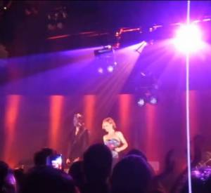 Vanessa Paradis et Benjamin Biolay sur scène à Barcelone.