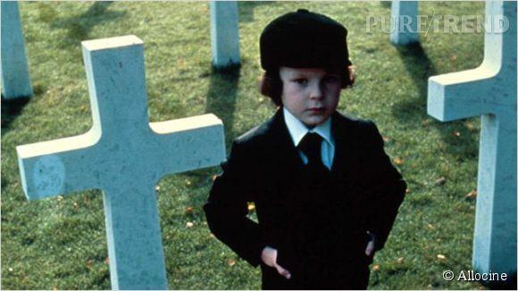 """Le petit Damien de """"La Malediction"""", joué par Harvey Stephens."""