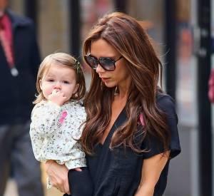 Harper Seven Beckham est mignonne à souhait dans sa petite blouse fleurie.