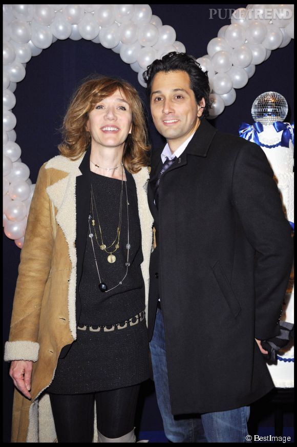 Virginie Lemoine est très amoureuse de son compagnon, le comédien Darius Kehtari.