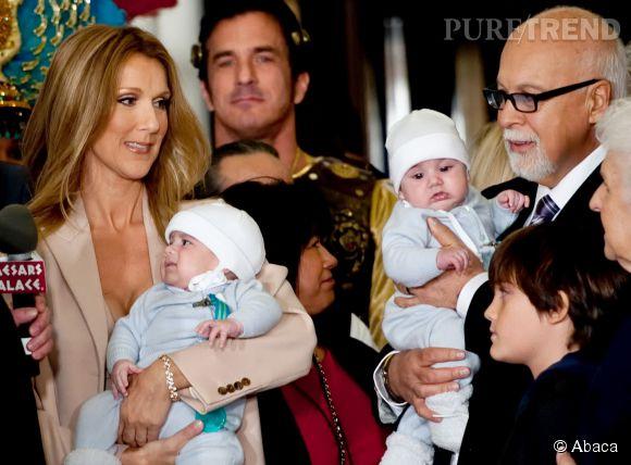 Céline Dion et René Angelil en 2011 avec leurs trois enfants. Pour Céline ce sont eux qui contribuent le plus à la convalescence de leur papa.