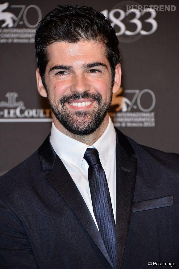 """Miguel Angel Muñoz alias Roberto dans """"Un, Dos, Tres"""" dancerait avec Fauve Hautot pour la saison 5 de Danse avec les Stars selon Télé Stars."""