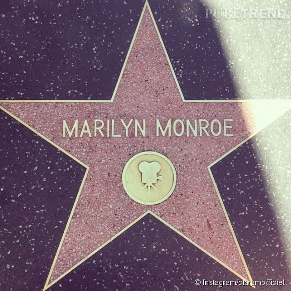 Marilyn Monroe fait partie des plus de 2000 stars ayant leurs étoiles sur le Walk of Fame d'Hollywood Boulevard.