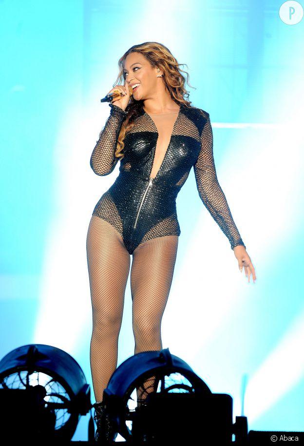 Beyoncé, ultra-canon en body lors de ses concerts. La reine du R&B a beau avoir fondu après une régime végétalien, elle a regagné ses formes.