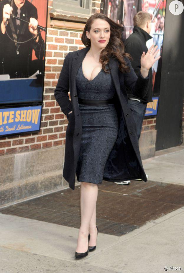 """Kat Dennings, la star plantureuse de la série """"2 broke girls"""". Un physique qui fait des envieux..."""