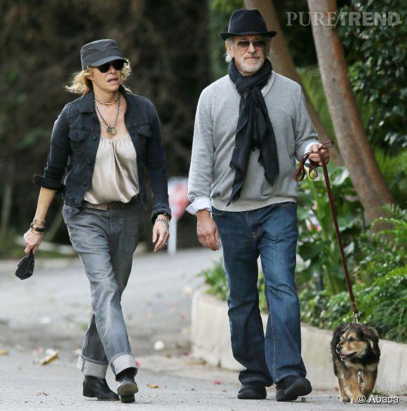 Selon Charlotte Le Bon, Steven Spielberg est un mec cool. A le voir promener son chien avec sa femme incognito, on se dit que le monstre sacré du cinéma américain n'a effectivement rien d'impressionnant.