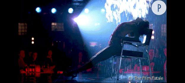 """La scène finale de """"Flashdance"""". Priscilla fera-t-elle aussi bien que Jennifer Beals ?"""