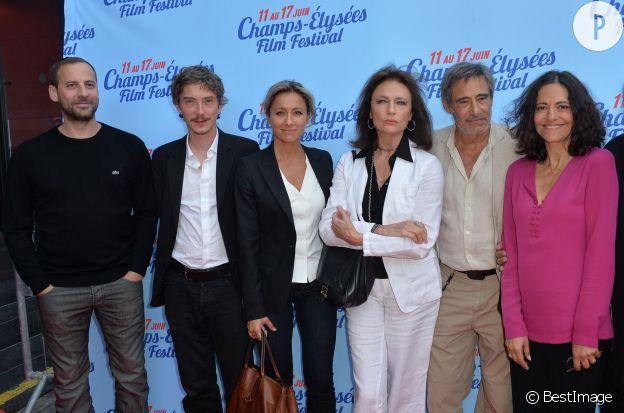 """Anne-Sophie Lapix lors de l'avant-première du film, """"Bon rétablissement"""" de Jean Becker."""