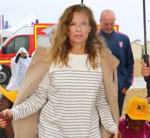 Valérie Trierweiler, une ex-Première dame lumineuse sous la pluie normande