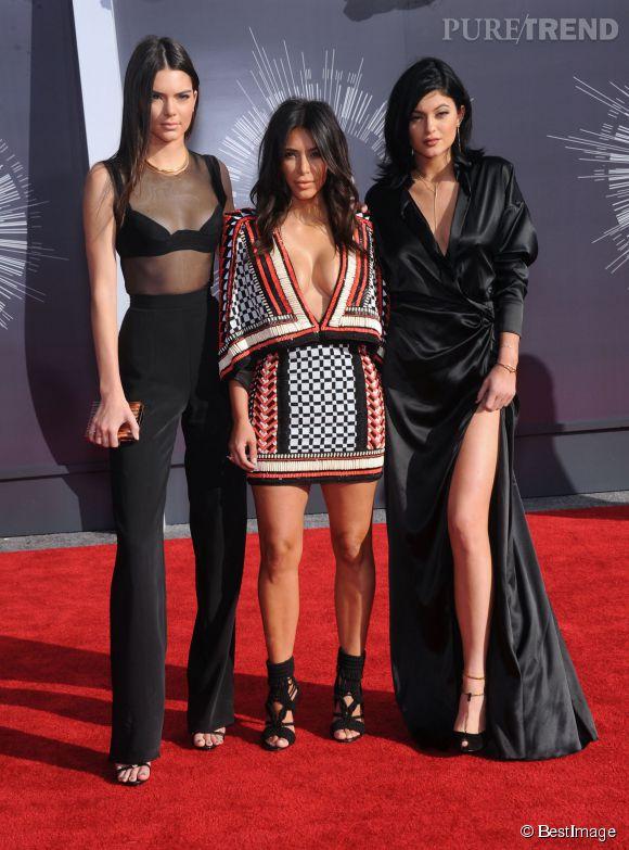 L'hommage rendu au jeune Michael Brown aux MTV VMA 2014 a visiblement laissé Kim Kardashian et ses demi-soeurs (Kendall et Kylie Jenner) de marbre.