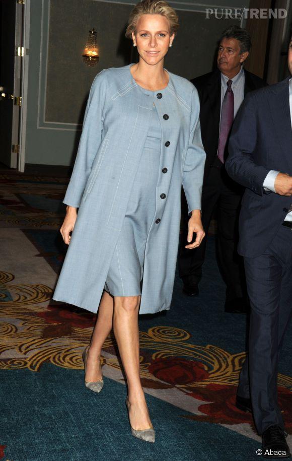 La princesse Charlène de Monaco enceinte de 7 mois lors d'une conférence sur l'autisme le 25 septembre 2014.