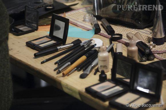 Le matériel est prêt, les make-up artists sont au taquet... Barbara Bui Printemps-Été 2015 : tout doit être parfait !