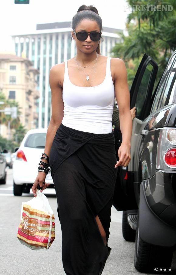 La chanteuse Ciara est fière de son nouveau corps et ne rate pas une occasion de le montrer !