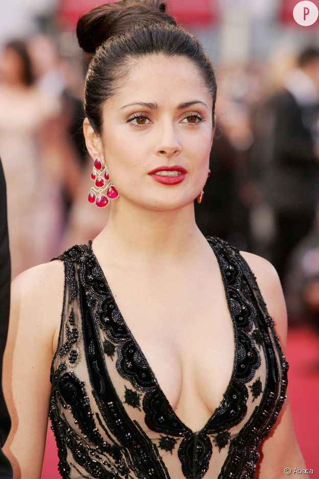 Salma Hayek, beauté caliente et ultra-sexy au Festival de Cannes 2005.