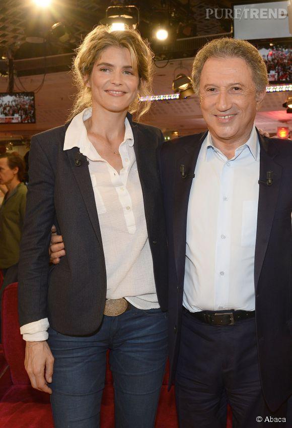 Alice Taglioni joue les fan girls avec Michel Drucker.