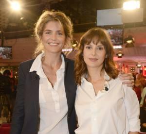 Alice Taglioni et Elodie Navarre : duo glamour sur canapé rouge