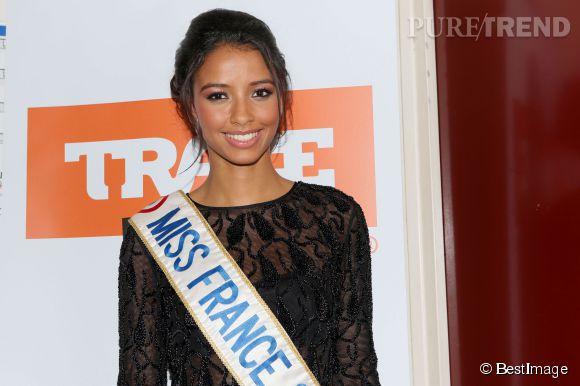 Flora Coquerel entame déjà la dernière ligne droite de son règne de Miss France 2014.