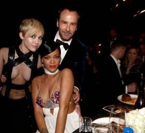 Miley Cyrus, Rihanna et Tom Ford prennent la pose ce soir-là.